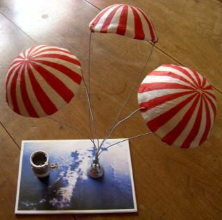 capsule et les 3 principaux parachutes